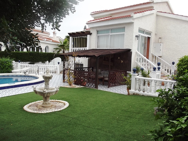 For sale on Spains Costa Blanca, near Guardamar and Torrevieja in Ciudad Quesada, chep, bargain property.