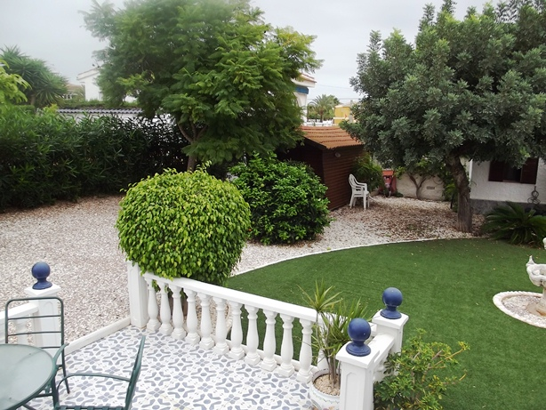 Near Guardamar and Torrevieja on Spains Costa Blanca cheap, bargain in Ciudad Quesada for sale.