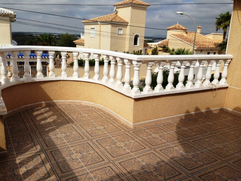 Cheap Property Villamartin Spain