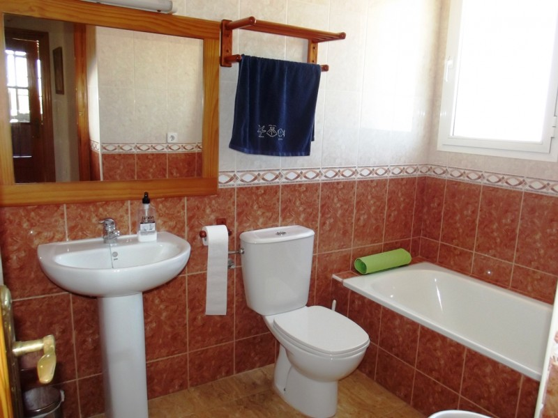 Cheap, bargain Spanish property for sale in La Manga, Mar Menor, close to Cartagena and Murcia