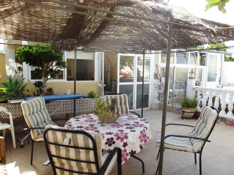 Bargain property for sale cheap close to Torrevieja and La Siesta, Costa Blanca, Spain in Torreta Florida