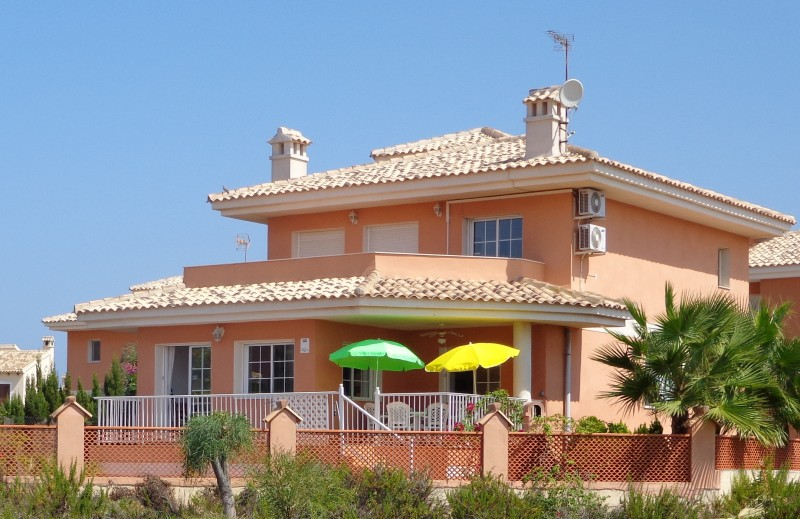 Cheap, bargain property for sale in La Manga close to Cartegena and Murcia on Spains Mar Menor