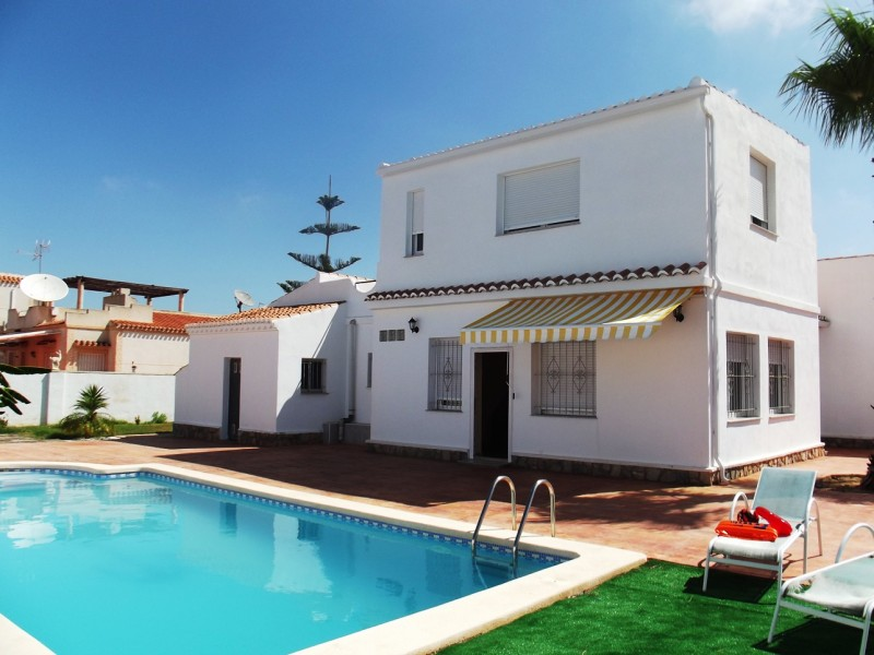 Cheap, bargain property for sale in Torreta Florida close to Torrevieja and La Siesta on Spains Costa Blanca