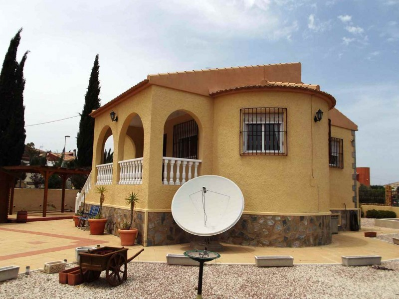 Jacarilla cheap bargain property for sale near Los Montesinos