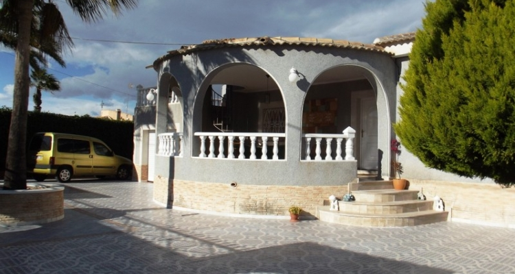 For sale in San Luis close to Torrevieja and La Siesta, cheap, bargain property on Spains Costa Blanca