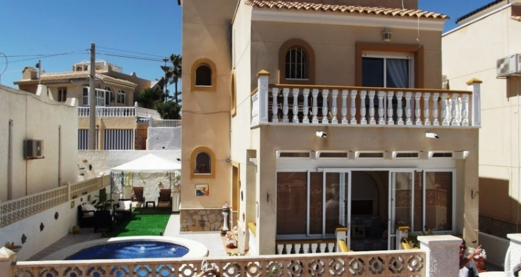 Cheap bargain property for sale Blue Lagoon near Villamartin