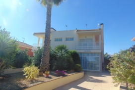 Villa for sale - Property for sale - Montfort Del Cid - Alenda Golf,